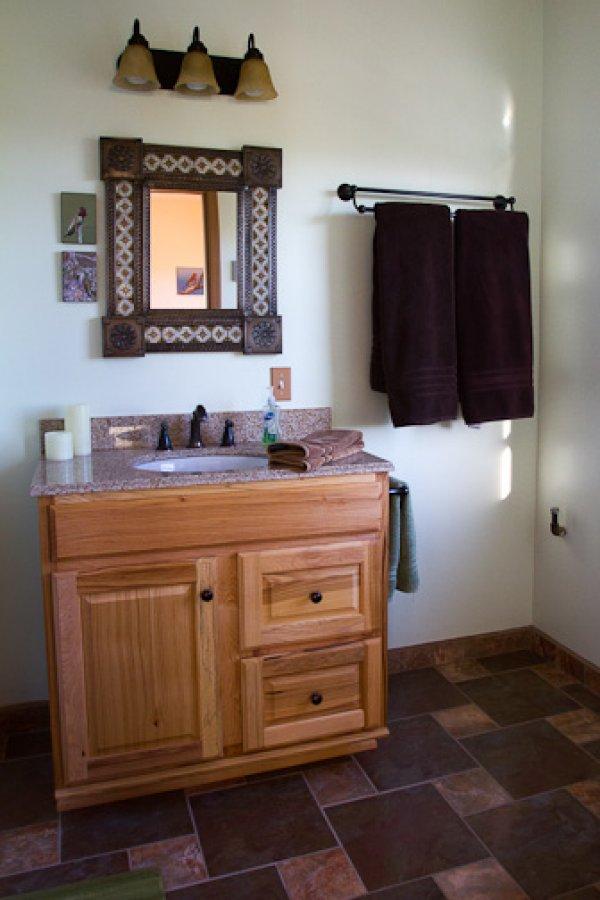 Hummingbird Cottage Bathroom